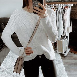 ❄️ 2/$35 Small Lord & Taylor White Knit Sweater